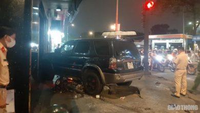 Ô tô tông loạt xe máy, nhiều người nằm la liệt trên phố ở TP.HCM 1