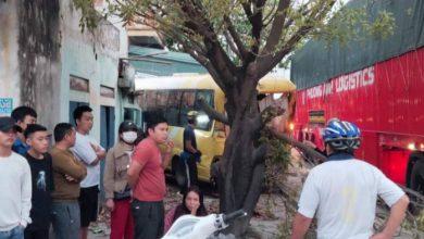Tai nạn liên hoàn giữa 3 ô tô trên QL1A , một tài xế bị gãy chân 1